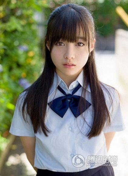 日本15岁清纯少女校服照蹿红