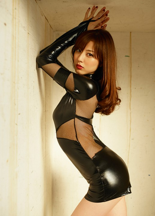 日本写真女星杉本有美被欠薪105万追足六年