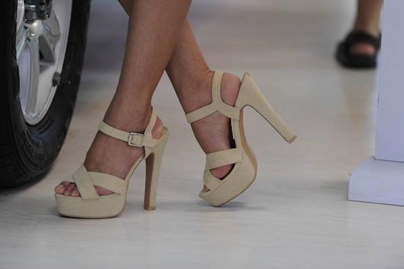 韩国女子醉酒发飙9厘米高跟鞋踢断鼻骨