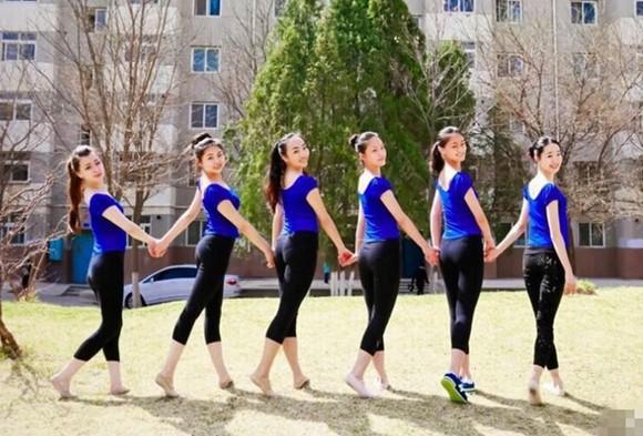西北师大晒舞蹈班美照颜值高身材好