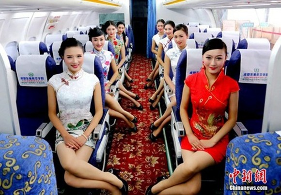 刘忠俊 摄 美女空姐