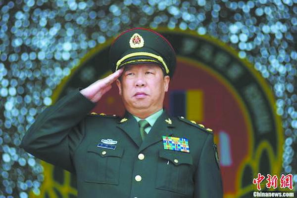 战斗英雄李作成出任陆军司令员 刘雷中将出任陆军政委