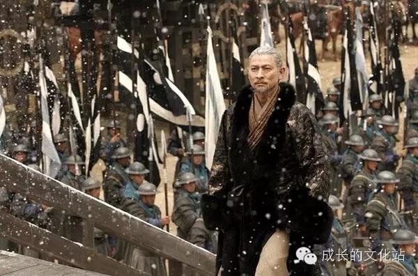 刘德华在《三国之见龙卸甲》里饰演的暮年赵云显得格外凄凉图片